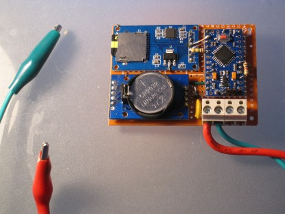An Sd Card Logger Monitoring 12v Car Battery Voltage And Temperature